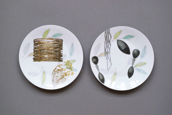Decoration of old dessert plates in collaboration with Domeisen Jewelry